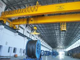 HIGHLY SKILLED SINGLE AND DOUBLE GIRDER CRANE MANUFACTURERS CONSIDERING PERFECT SPECIFICATIONS